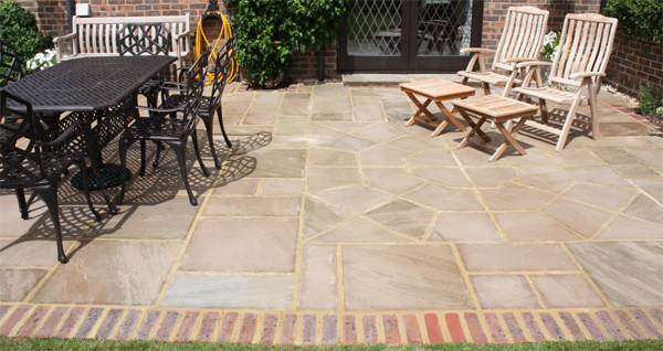 Pulborough Patio Indian Sandstone Edging Bricks