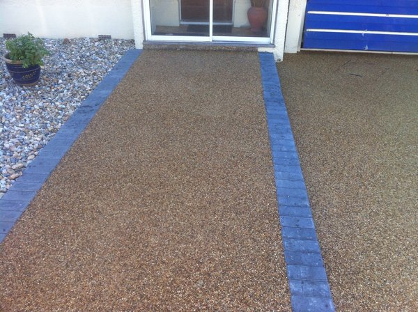 resin drive blue edging shingle boarder